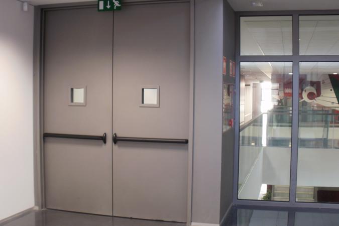 puerta cortafuegos batiente grandes dimensiones jordan