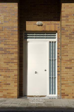 puerta residencial de seguridad line