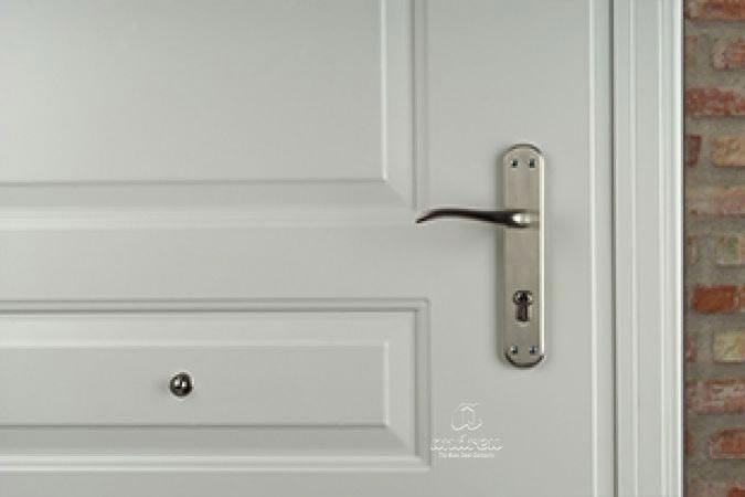 puerta residencial de seguridad Versate