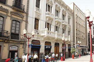 puertasjordan.com/wp-content/uploads/2018/02/puertas-jordan-caja-rural-cajamar-sede-antigua-caja-insular-de-ahorros
